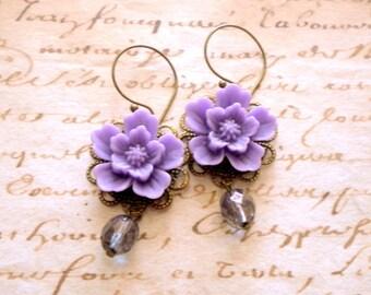 Purple Earrings Chandelier Earrings Purple Bridesmaid Earrings Lavender Earrings Dangle Flower Earrings Lavender Wedding Jewelry