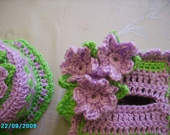 Crocheted Tissue Box Cozy and Toilet Paper Cozy in berries, peaches or custom colors//household decor