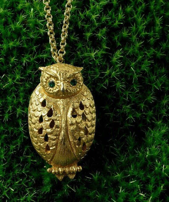 Vintage 70s MESSENGER OWL Cut Work Heavy Pendant Necklace