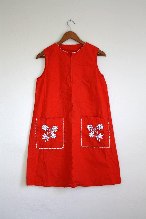 Vintage Mod Red Tank Dress // White Flowers M/L