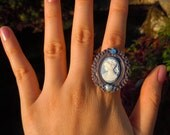 Violet Pretty Girl Cameo Ring