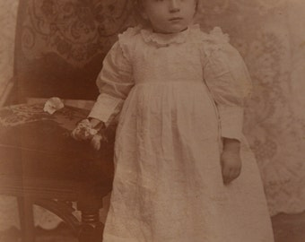 Portrait Sweet Little Girl Cabinet Card