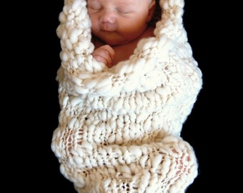 Chunky Pea Pod Knitting Pattern for Newborn Babies -  Baby Cocoon Photography Prop and  New Baby Gift - Bulky Yarn - PDF DOWNLOAD