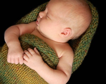 Baby Pea Pod Knitting Pattern for N ewborn Babies - Cocoon Photography
