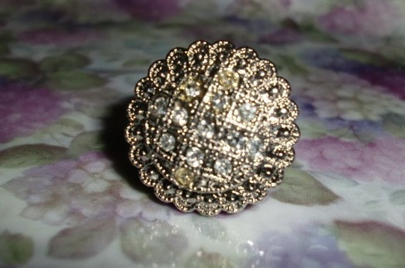 Round Rhinestone Vintage Button Ring