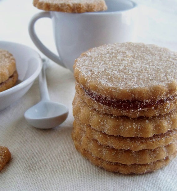 Cinnamon Guava Shortbread Sandwich Cookies by zugarhaus on Etsy