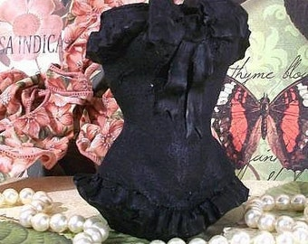 Beeswax Black Ruffle Corset Candle