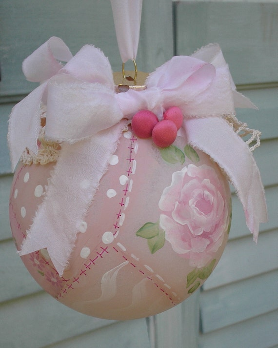 Christmas ornament hand painted pink rose patchwork with - Navidad shabby chic ...