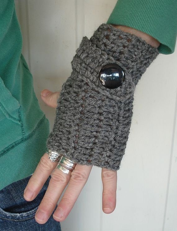 fingerless mittens  with big button