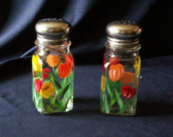 Tulip Salt and Pepper Shakers Painted Large Spring Flower Glass Salt & Pepper Shakers by Lisa Hayward