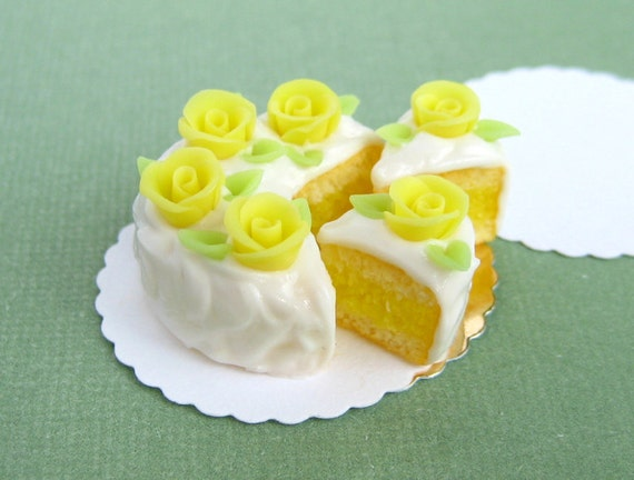 Layered cake with roses - SALE