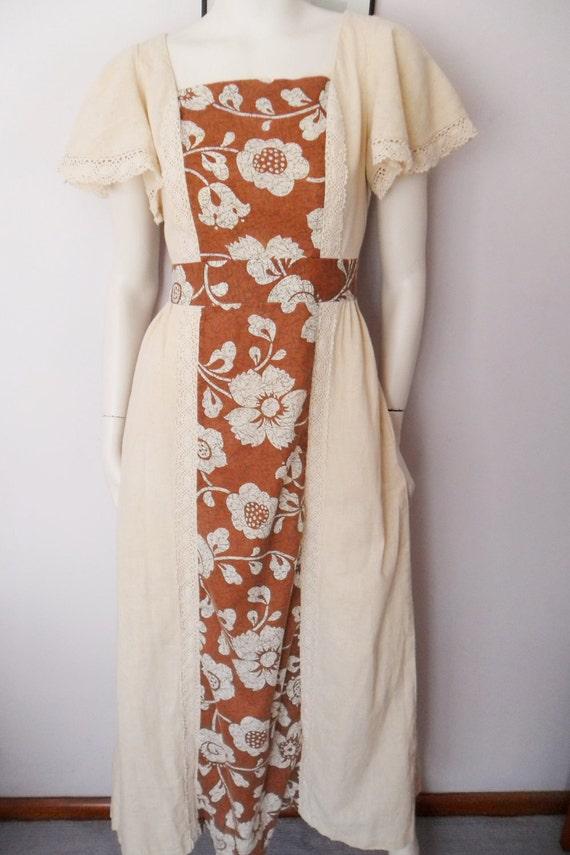 Vtg.60/70s Ecru Cream Brown Crochet Lace Hawaiian Floral Print Flutter Sleeve Cotton Maxi Dress.M.Bust 38.Waist 31.