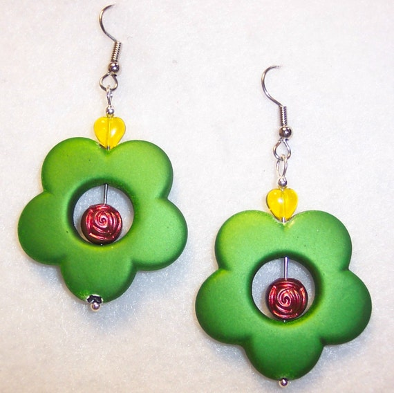 U of O Green Daisy with Red Rose Bowl 2015 Earrings