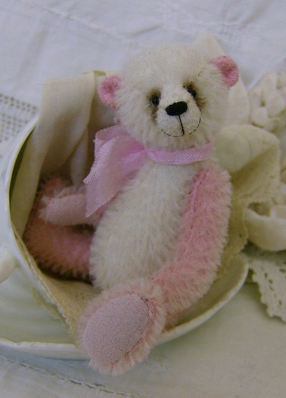 Sugar complete sewing kit for a miniature bear
