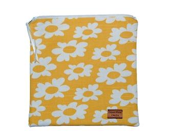 Sandwich Size Reusable Bag - Daisies on Yellow - Zippered Bag - Zipper Closure
