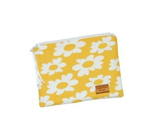 Snack Size Reusable Bag - Daisies on Yellow - Zippered Bag - Zipper Closure