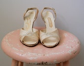 ON SALE 25% - Vintage 1950s Shoes - 50s Cream Heels - The Samantha - 7