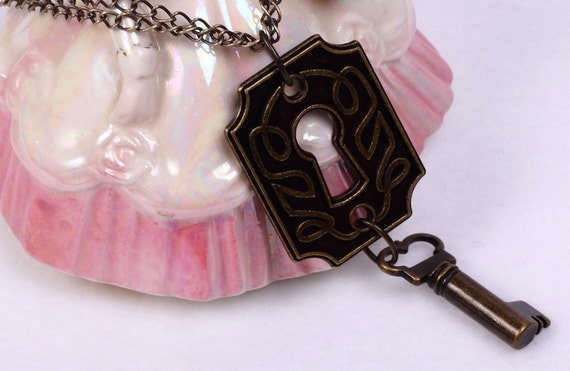 Warehouse 13 Inspired Key and Lock Necklace in Antique Brass - Key Necklace, Warehouse 13 Necklace, Claudia Donovan, Steampunk Necklace