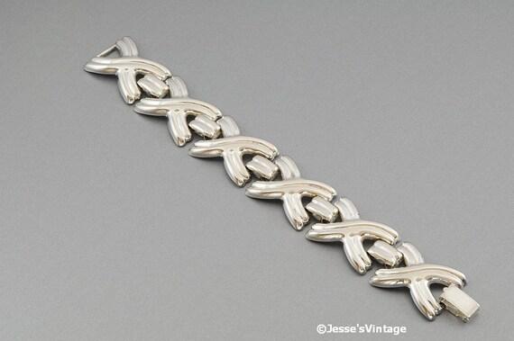 Silver Tone 80s Chunky Bracelet X's & O's Plus size