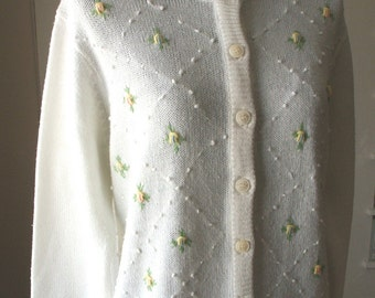 Vintage White Cardigan, 60's Cardigan Sweater, Embroidered Pastel Flowers, Rockabilly, 50's Mad Men Style, Medium to Large, Vegan Friendly