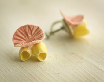 Barnacle Ceramic Pink and Yellow Vintage Earrings / Screw Back / Under the Sea / Coral