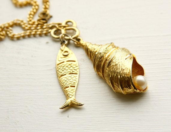 Seashell, Pearl, and Fish  Necklace Vintage  / Gold Tone / Long / Pendant / Retro