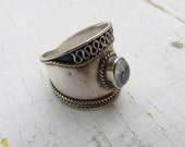 Vintage Sterling Silver and Moonstone Ring c.1970
