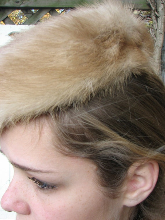 Vintage Mink  Hat//Pillbox// Beret//MidCentury//Classic Fur from Tessiemay