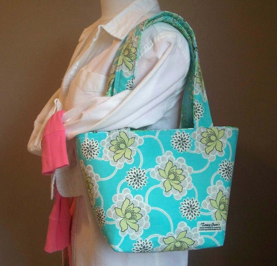 The Reversible Simple Tote in Amy Butler's Clematis in Turquoise