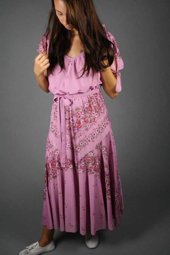 SALE vintage 1970s seventies hippie pink floral dress for free spirit