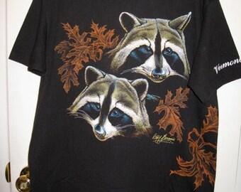 Cute Vintage 1989 Raccoons Oak Leaves Trees Vermont Woods Souvenir Nature T-shirt size Large