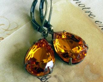 True Topaz Teardrop Estate Style 1960s Rhinestone Earrings