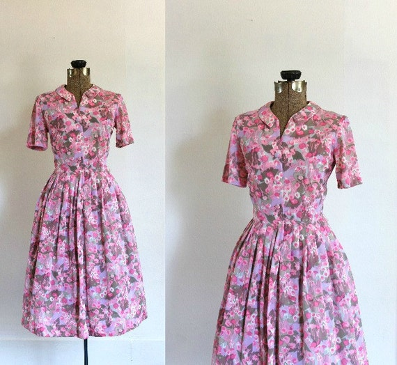 vintage 1960s dress 60s pink purple floral short sleeve full skirt day dress with peter pan collar / garden party