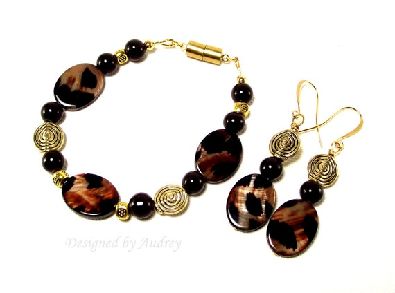 Bracelet and Earrings Set - Brown Animal Print Abalone Shell Pearl Bracelet with Matching Earrings