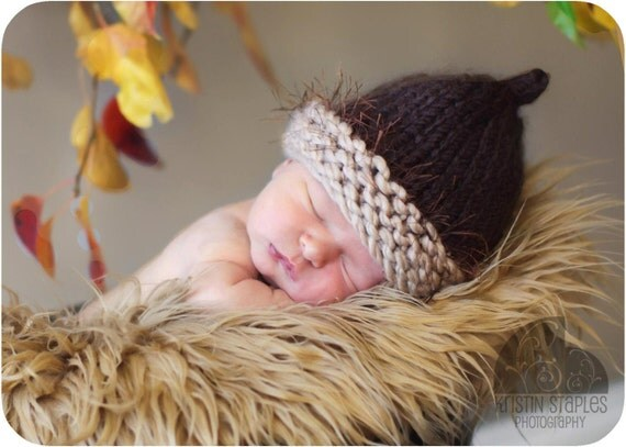 Little Knit Acorn Hat for Baby, Wonderful Photography Prop for Fall
