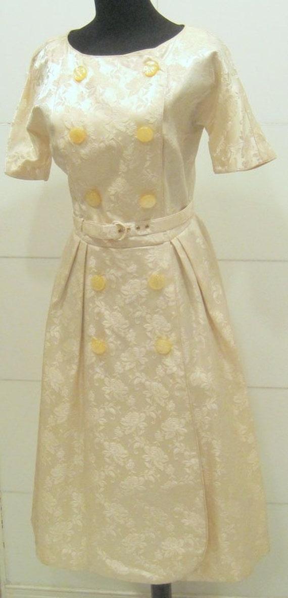 Vintage Wedding Cocktail Dress / Creamy Brocade /1960s Romance