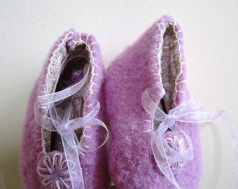 SALE Felted Wool Infant Baby Booties Girl Embroidered Mary Janes Easter Lavender  - 6 Months