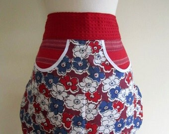 SALE Apron Cafe Floral Women's Patriotic Feed Sack Mod Repro Vintage July 4th - One Size