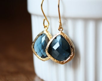 Gold and rosecut sapphire blue glass drops E49-GV4
