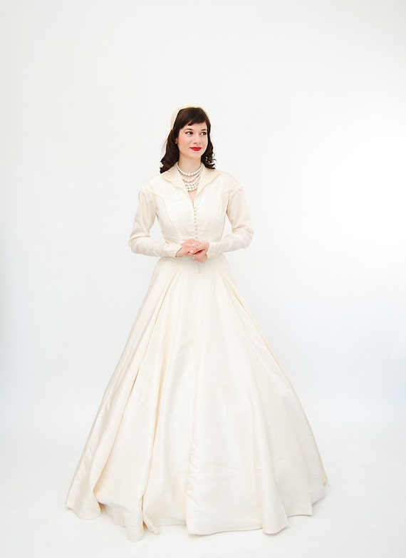 Vintage 1950s Wedding Dress - 50s Wedding Gown - Ivory Taffeta - New Look Style