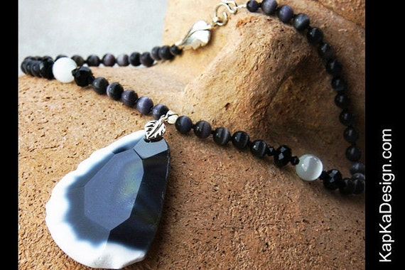 Statement Necklace, Big Stone Necklace, Black and White Faceted Agate Slab Pendant, Cats Eye Necklace, Modern Bold Fashion