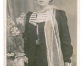 Vintage Foto - Dame mit Hut und Schal