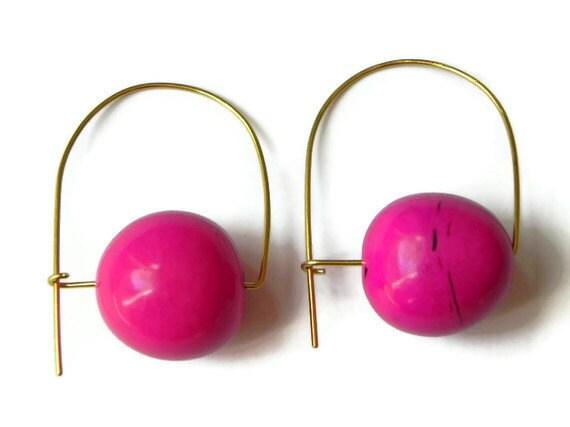 bombona seed hoop earrings, hot pink mod earrings, modern tagua earrings, eco friendly earrings, fair trade earrings