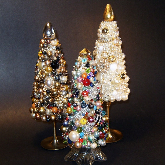 Jewel Christmas Tree Decorations: Colorful Jeweled Christmas Tree Topiary Decoration