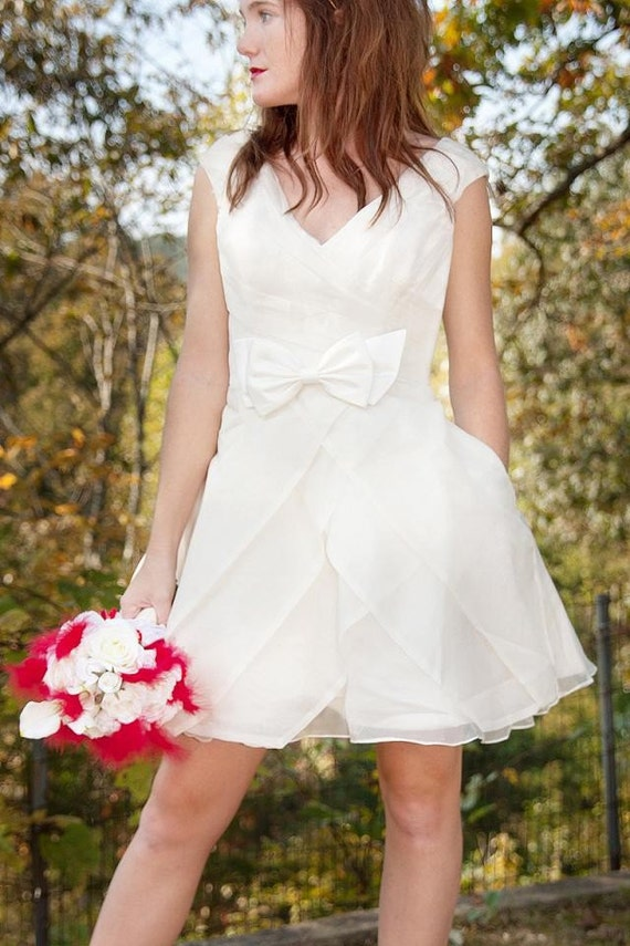 SAMPLE SALE - Short Retro Wedding Dress - Summer Holiday