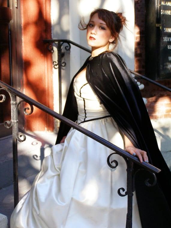 Lady in White Lined Black Velvet Cape, Renissance, Victorian, Vampire Cloak Etsy ASAP
