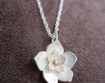 Periwinkle Flower Necklace - Sterling Silver and 14k Gold Center - Wedding Gift, Bridesmaids Jewelry