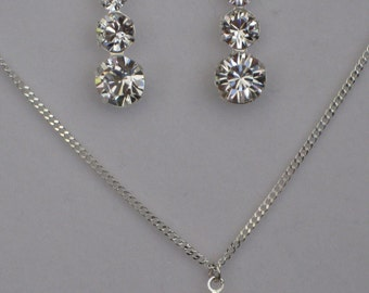 Swarovski earring and necklace set (silver)