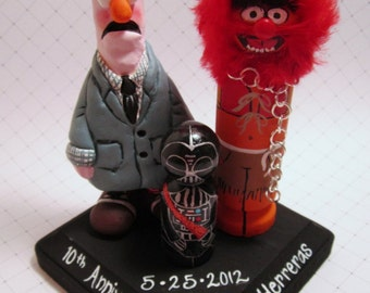 Wedding Cake Topper / Custom Clay and Wood Peg Dolls with Plaque / Couple plus 1 child or pet and base