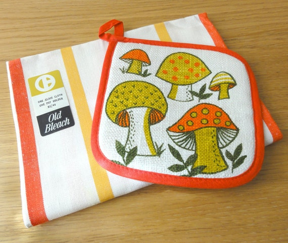 Vintage Pot Holder Tea Towel Set  Mushrooms Striped Linen
